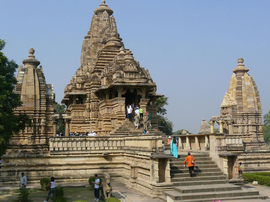 Golden-Triangle-Tour-with-Khajuraho-and-Varanasi