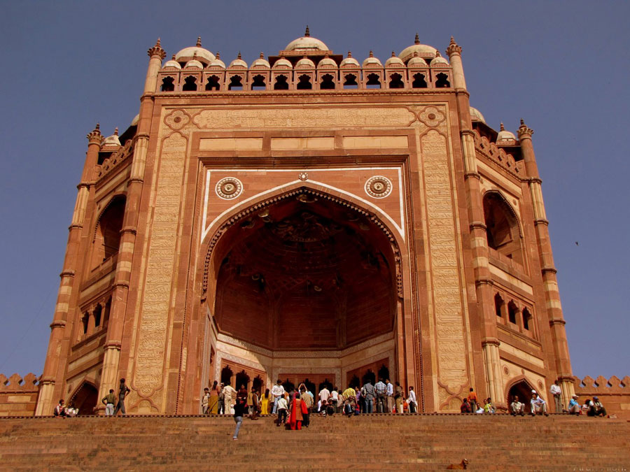 Taj-Mahal-Tour-with-Fatehpur-Sikri-and-Amber-Fort